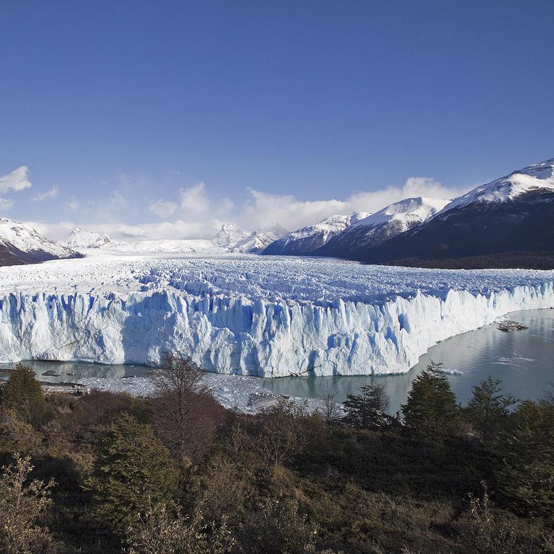 Объявленный ЮНЕСКО наследием человечества нетающий Ледник Перито Морено © Proalps