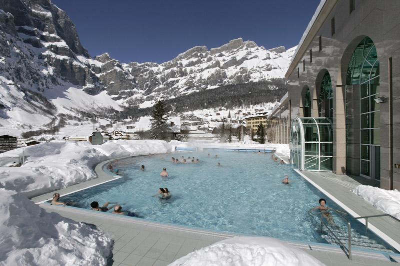 Открытый термальный бассейн в Lindner Alpentherme