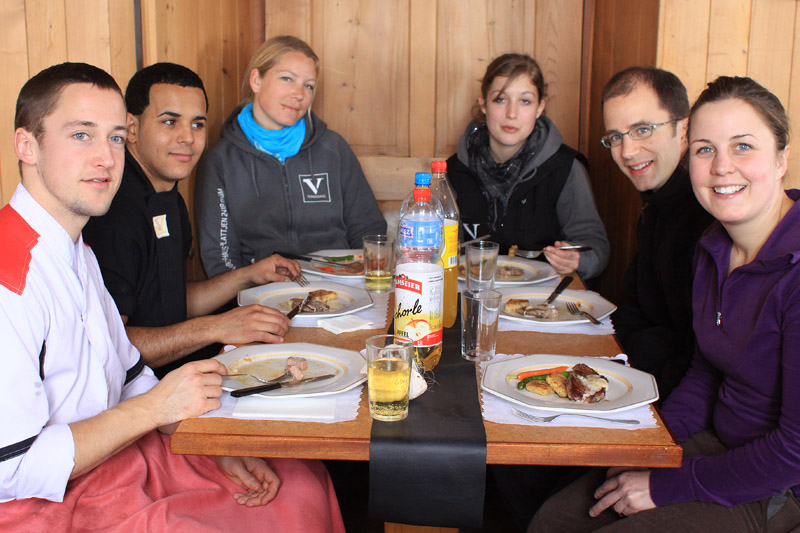 Команда Vernissage Berghaus Plattjen за завтраком