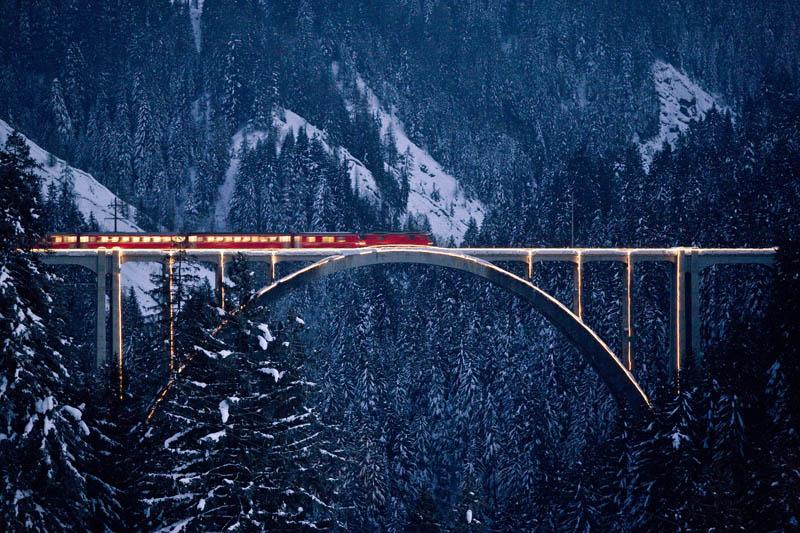 Rhaetische Bahn, поезд в Арозу © Arosa Tourismus