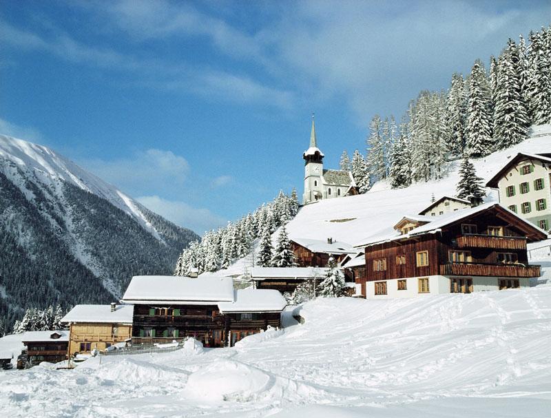 Типичные вальцерские дома в Davos Monstein © Davos Destinations