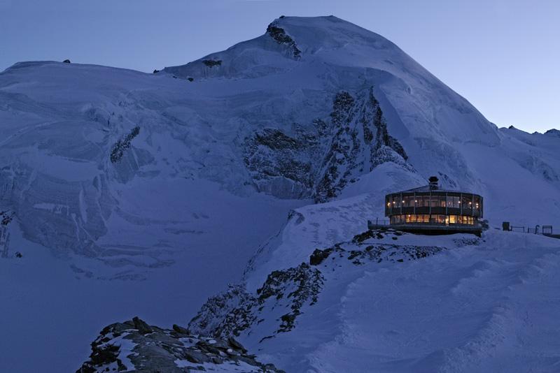 Cамый высокогорный в мире вращающийся ресторан © Saas-Fee Tourismus