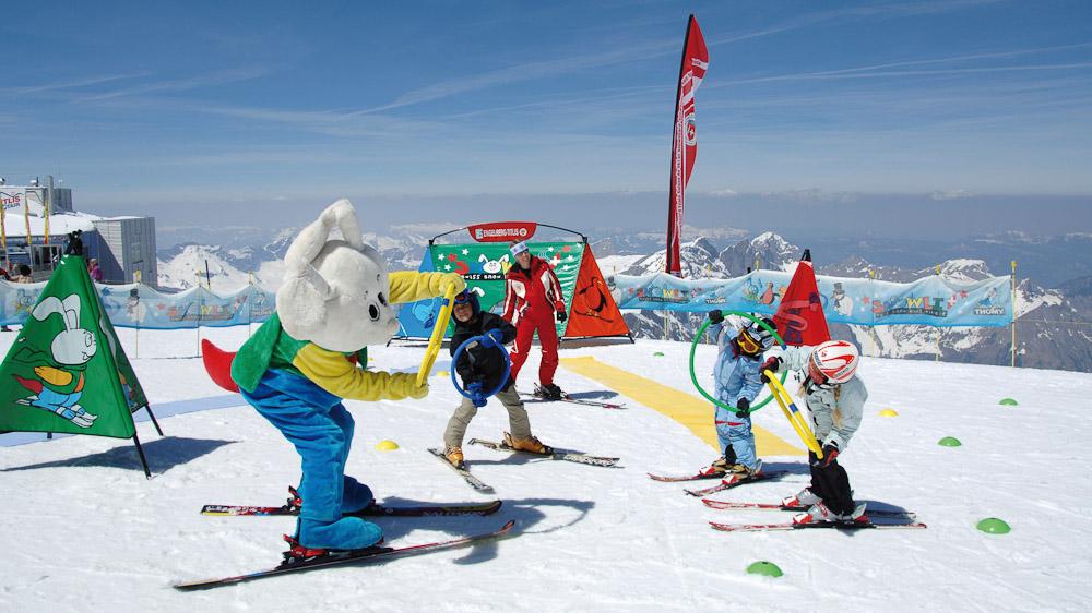 Skischule, Snowli Village, Kinder; Ski School, Snowli Village, Children;