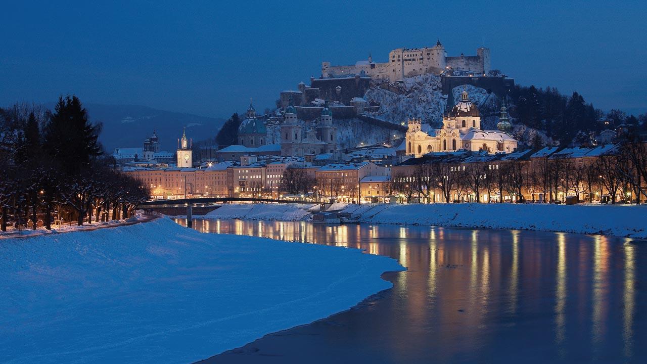 Oesterreich, Stadt Salzburg, Blick über die Salzach auf die Altstadt und Festung Hohensalzburg