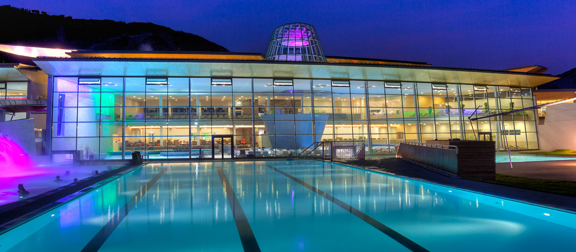 TAUERN SPA night