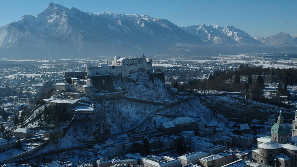 Festung Hohensalzburg und Untersberg im Winter